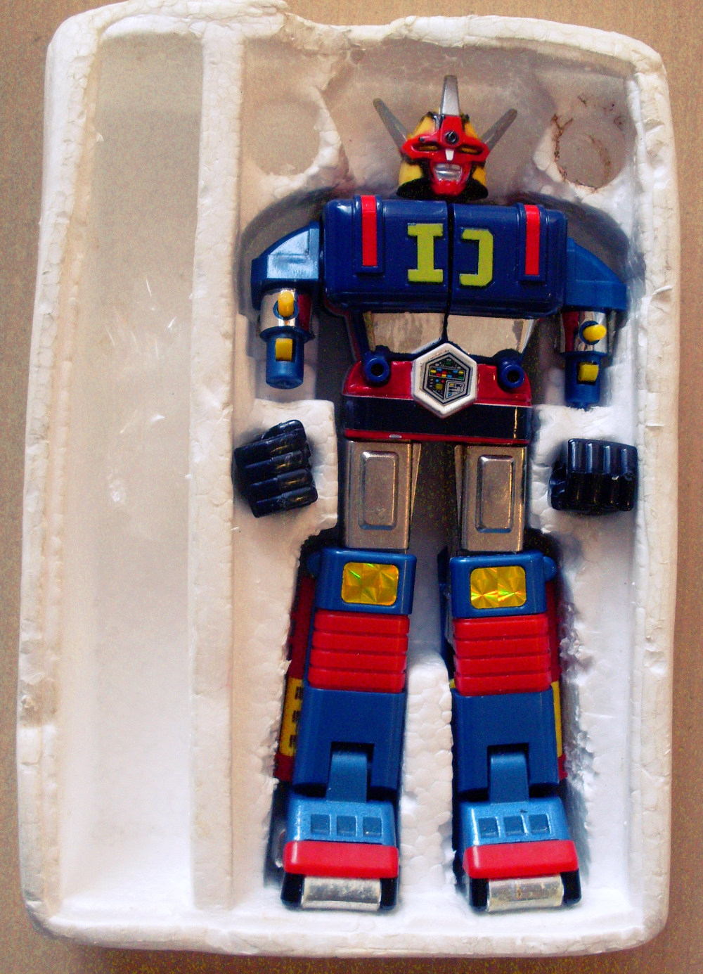 Treasure trove of trashed mecha toys | sqwabb