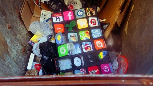 cardboard-iphone-01