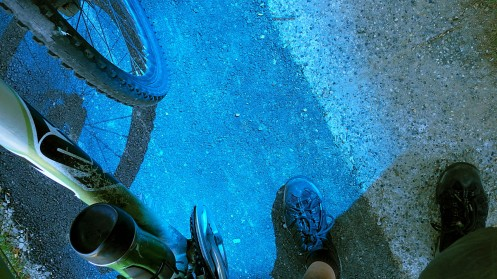 blue-glass-light-02