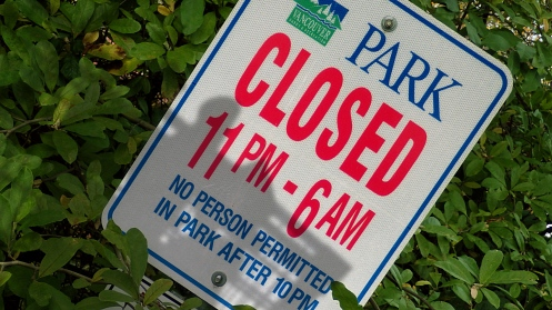 park-closed-11p-6a-02