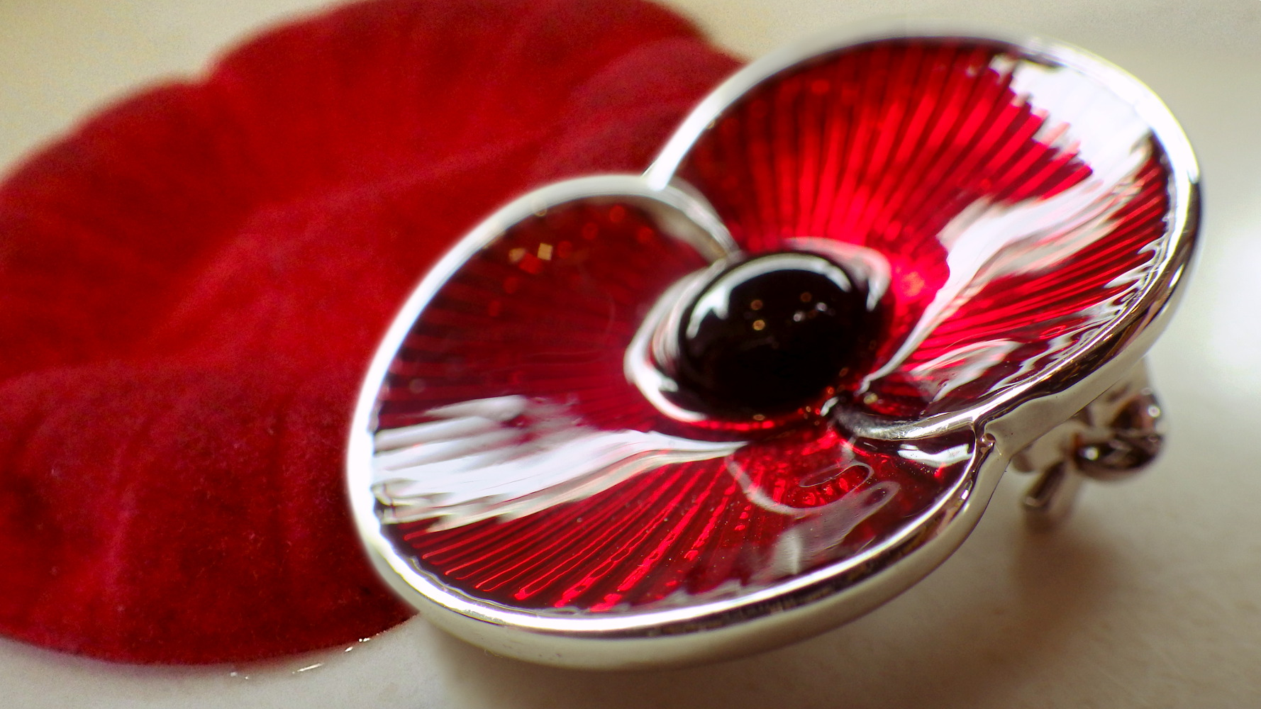 My idea of a remembrance poppy eight months early | sqwabb